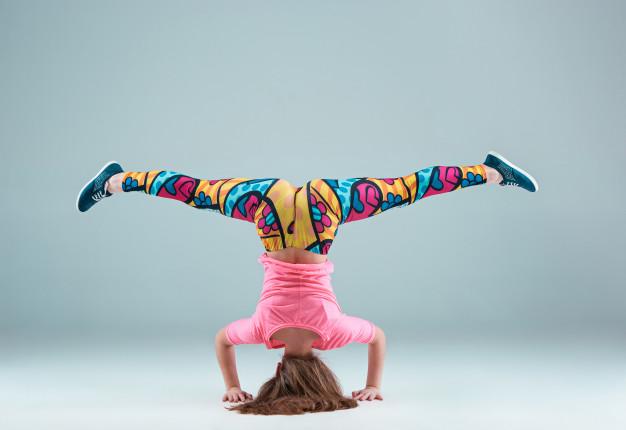 jovencita-bailando-coreografia