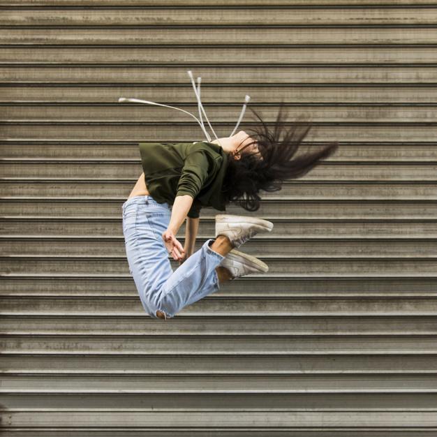 street-dancer-femenina